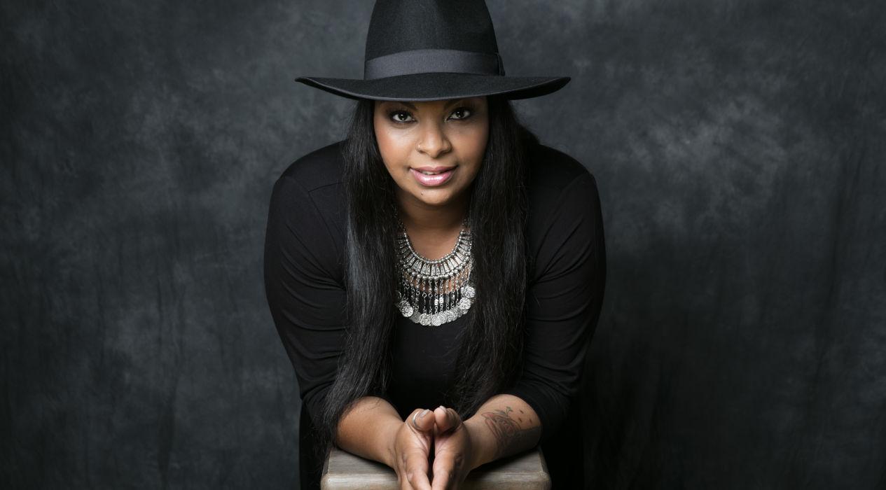Kika Cardoso estreia-se em álbum