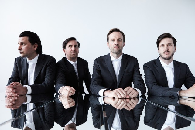 "Cut Copy regressam com ""Airborne"""