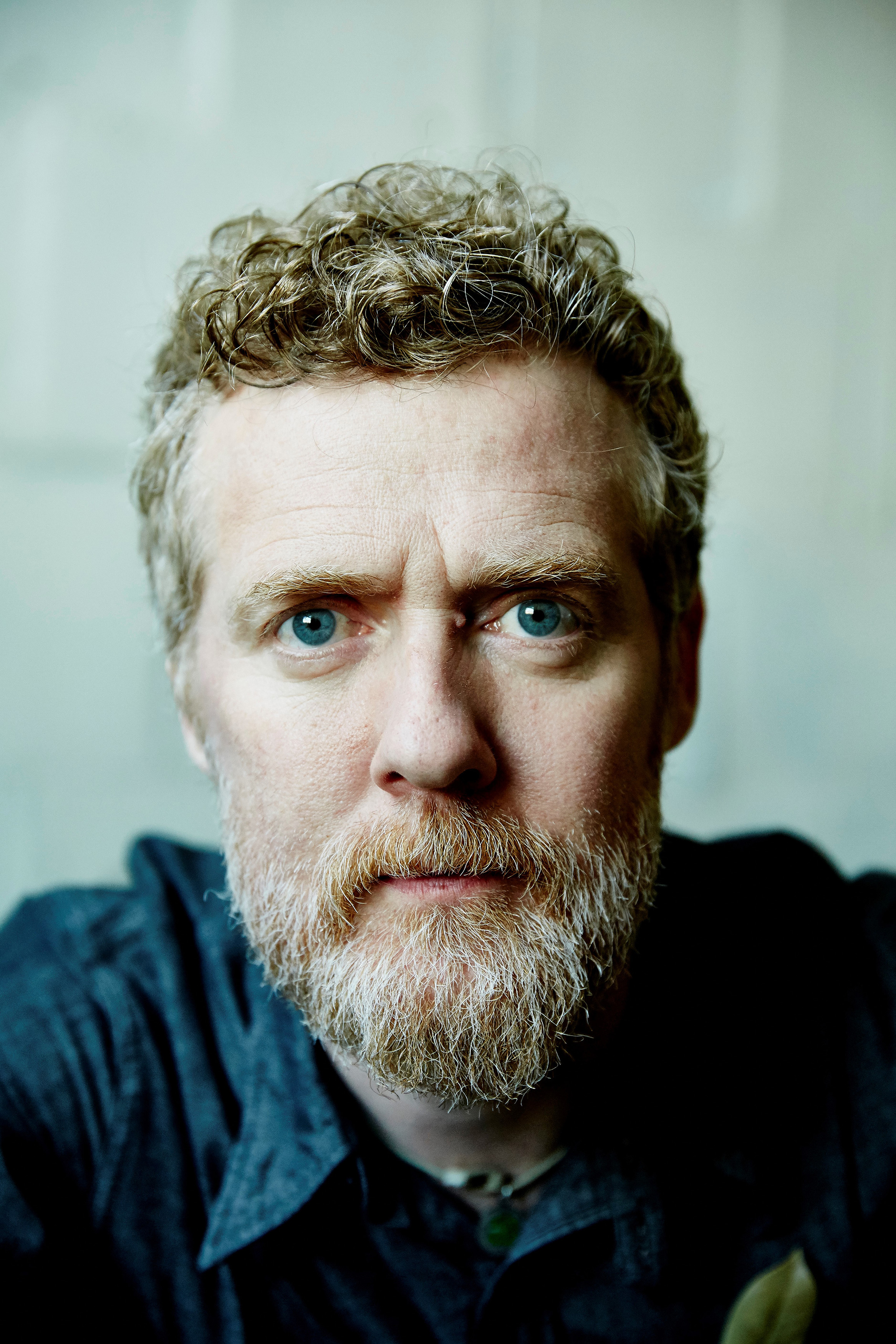 Between Two Shores é o regresso de Glen Hansard