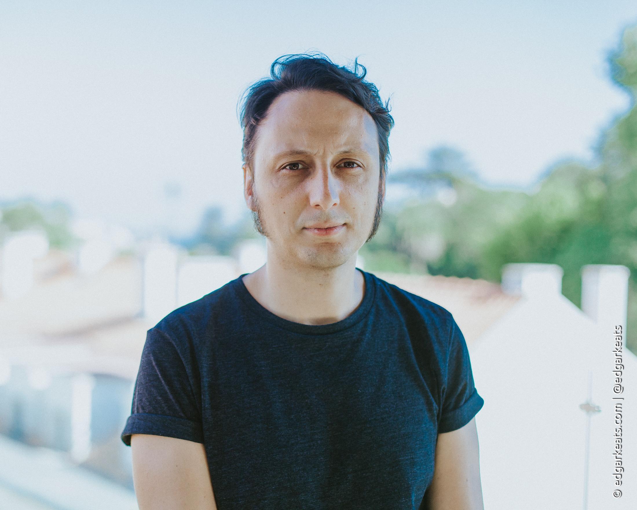 Canções do Pós-Guerra é o novo álbum de Samuel Úria