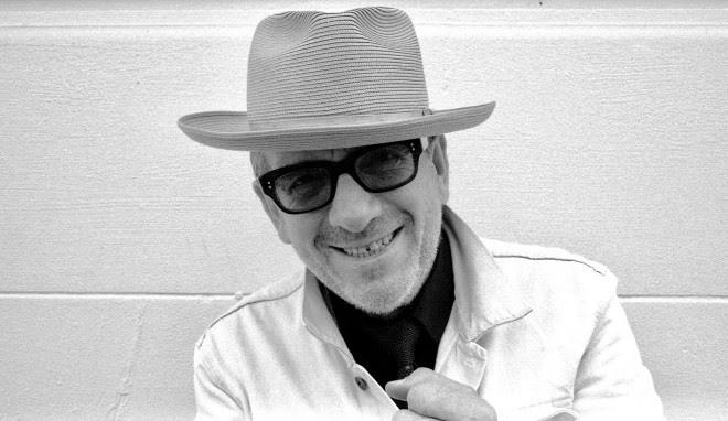 Novo álbum de Elvis Costello já está disponível