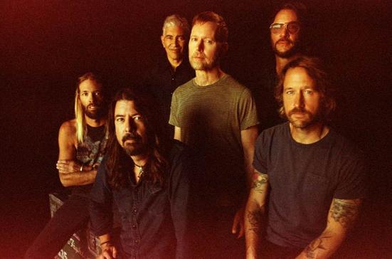 Foo Fighters apresentam Medicine At Midnight