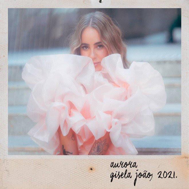 AuRora é o novo álbum de Gisela João
